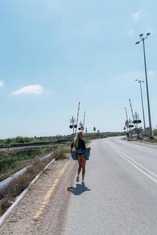 Travel girls - Female traveler travel bloggers