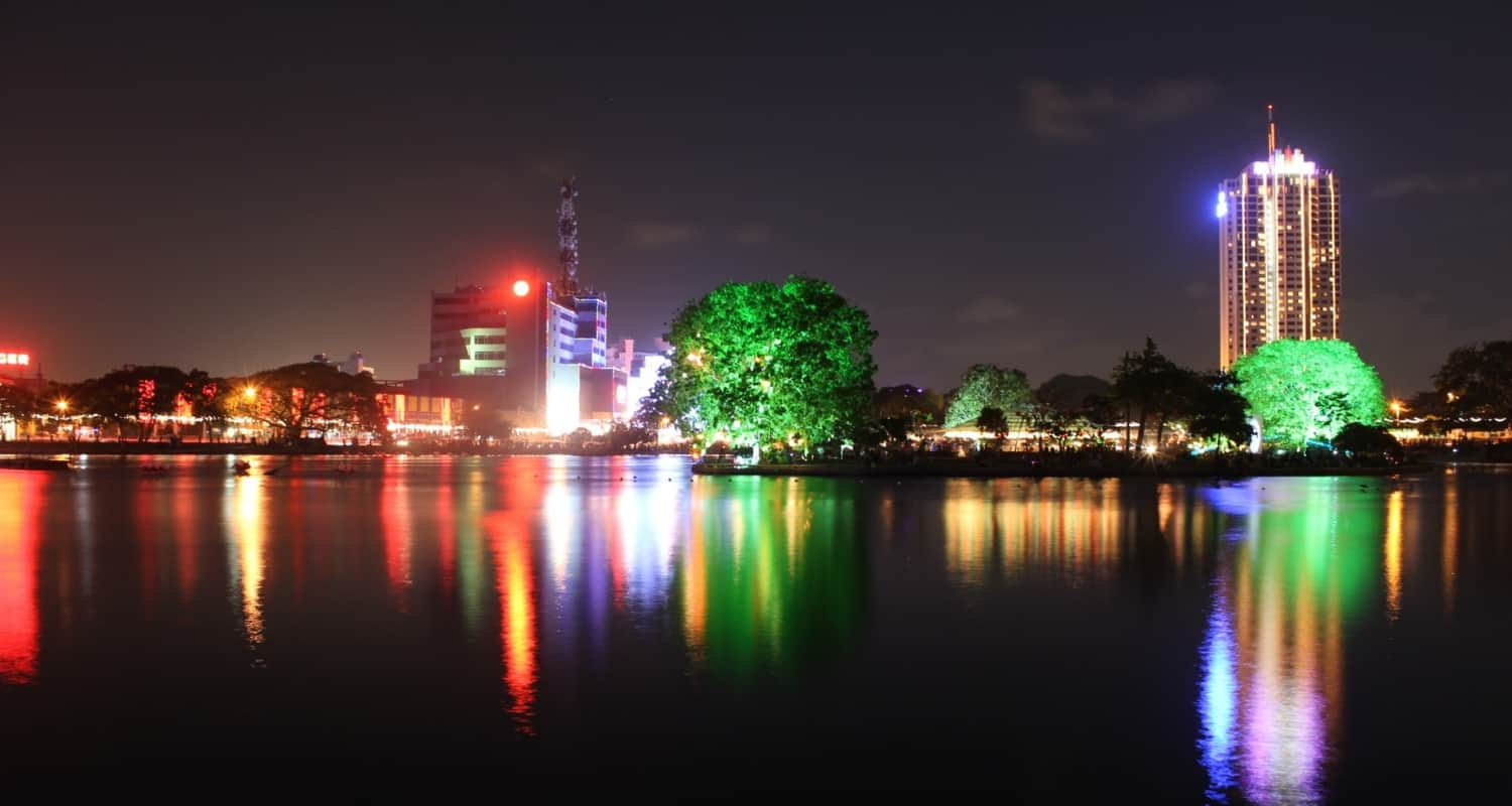 Things to do in Colombo 2019 - beira lake colombo sri lanka during our stay at Shangri La Colombo